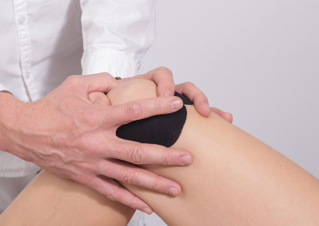 Knee being examined for signs of arthritis
